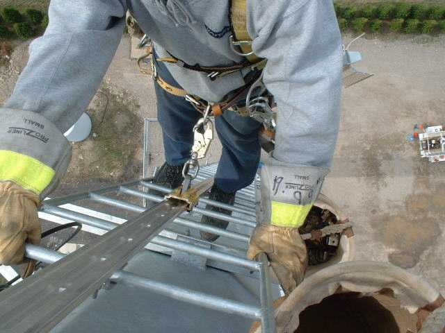 Ts Vr 55000 Vertical Ladder Fall Arrest Rail Aluminum